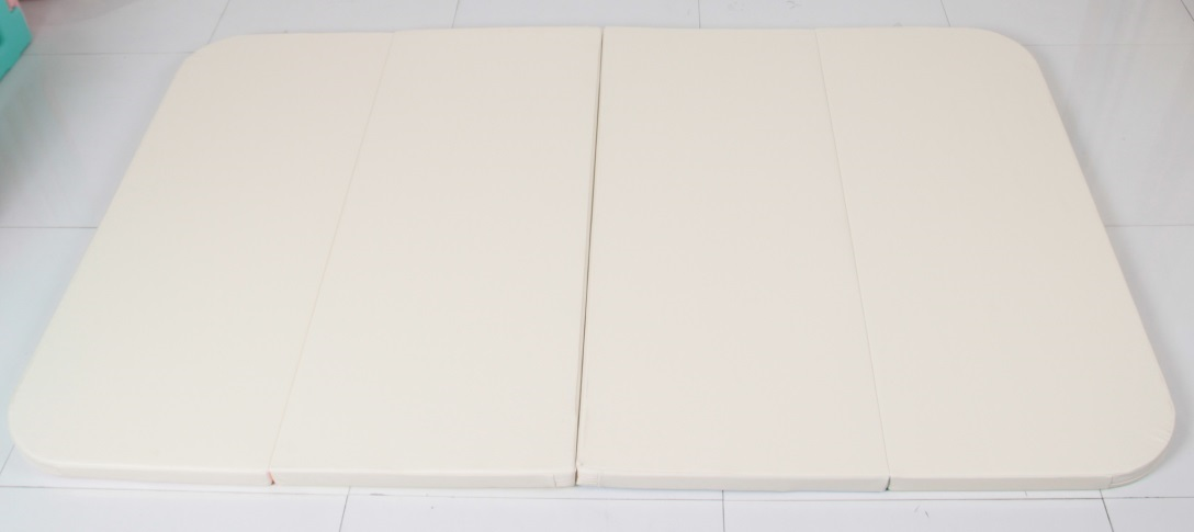 HNM-801 Playmat in Cream+Pink(back)