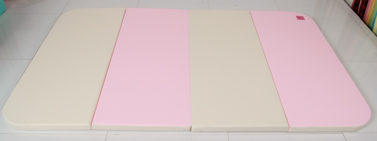HNM-801 Playmat in Cream+Pink(front)