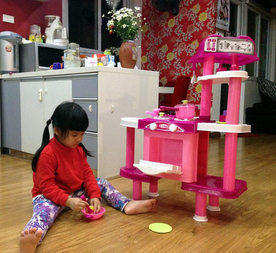 đồ chơi cho bé Trần Ngọc Thảo Linh 2