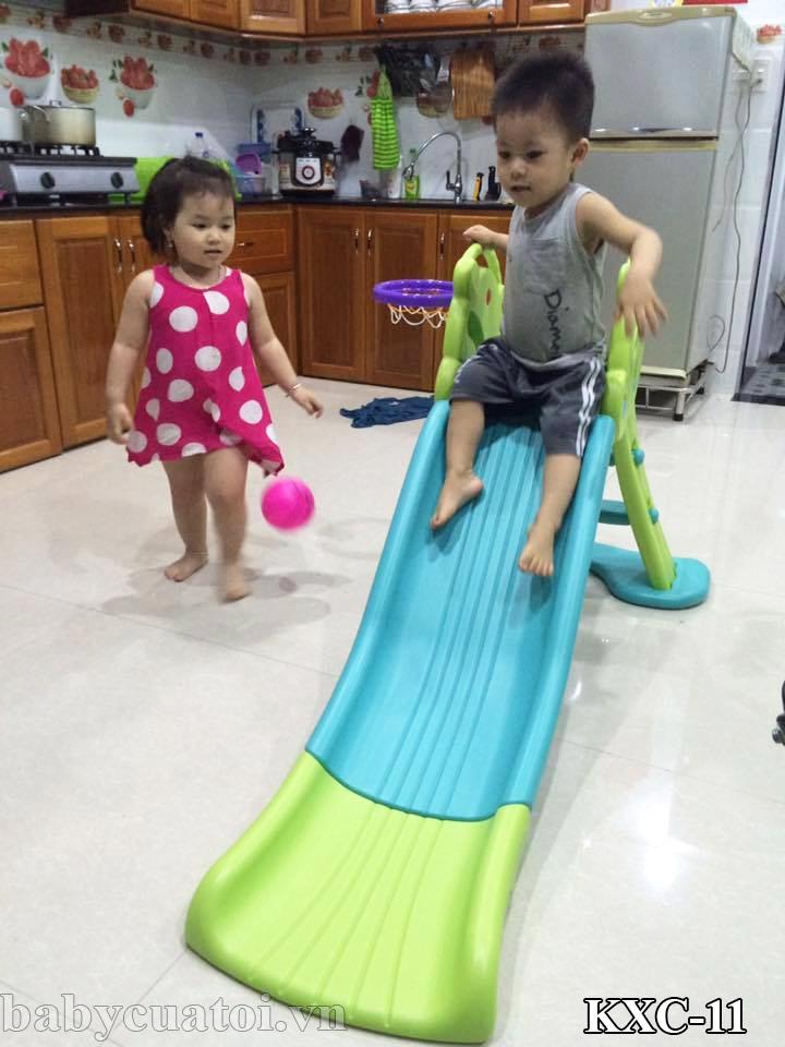 Đồ chơi cầu trượt giúp con tăng cường sự khéo léo và phát triển chiều cao
