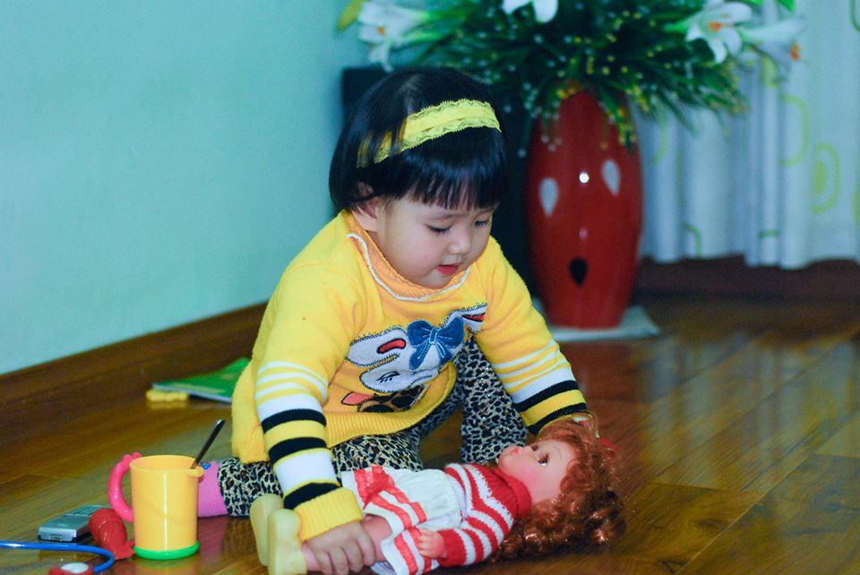đồ chơi cho bé Đỗ Nguyễn Khánh Thy 3