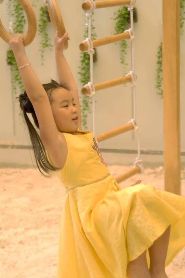 đồ chơi cho bé Trần Thiên Uyên Nhi 1