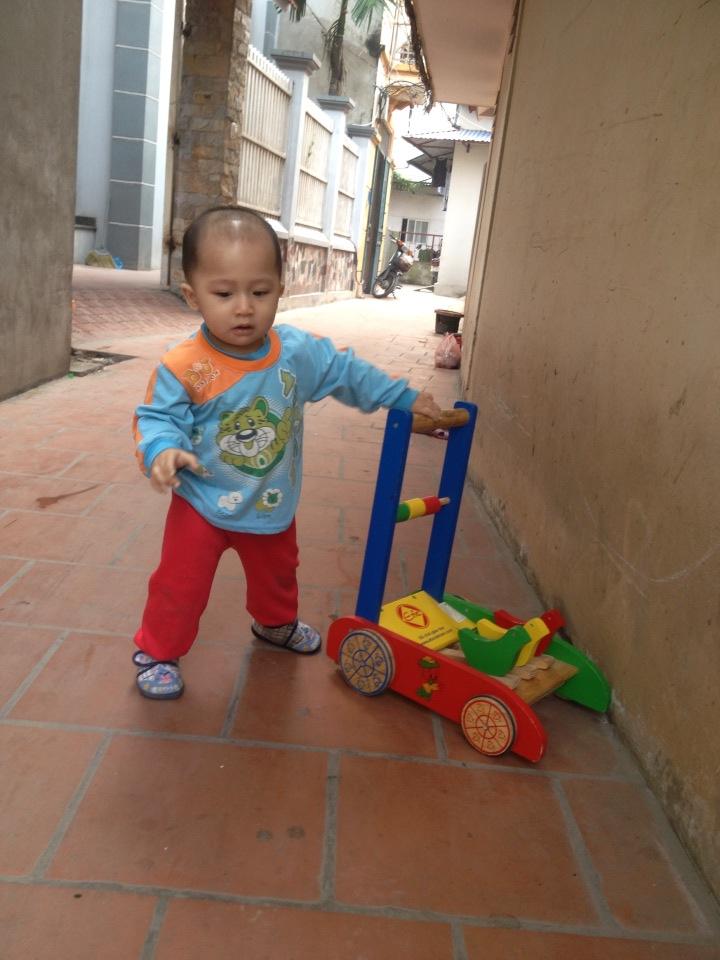 đồ chơi cho bé Vũ Tùng và Vũ Hải 4