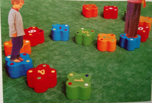 Đồ chơi vận động kèm học chữ cái 14 chi tiết ZK6057