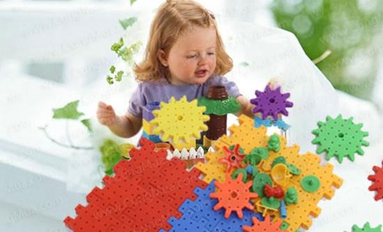 Đồ chơi xếp hình cho bé - 7 gợi ý giúp bạn lựa chọn đồ chơi cho bé