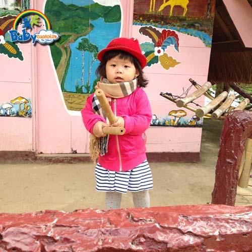 do choi tre em Bé Nguyễn Trà Giang 1