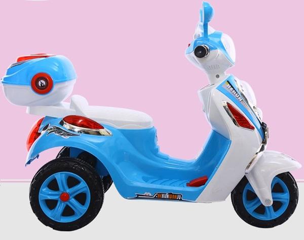 Xe máy điện trẻ em Vespa mẫu mới màu xanh BBT-913X
