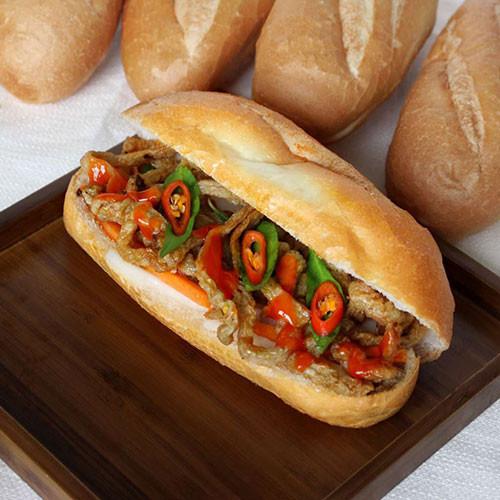 Bánh mì chả cá thu