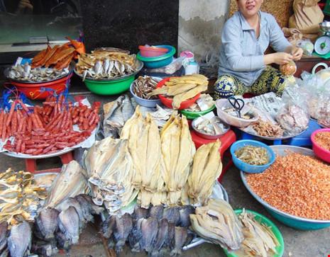 Cá khô ngoài chợ