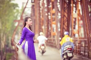 Cầu Long Biên địa ddierm chụp ảnh đẹp ở Hà Nội