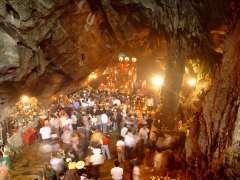 [Lễ Hội] Miễn Phí Vé Thăm Quan Chùa Hương Trong 3 Ngày Tết