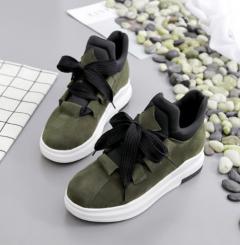 Rụng tim cùng giày sneaker nữ giảm 10% hàng hot xứ kim chi