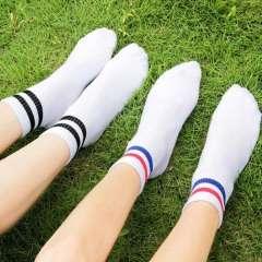 Tết này sắm ngay combo tất (vớ) phong cách Hàn Quốc giá chất lừ