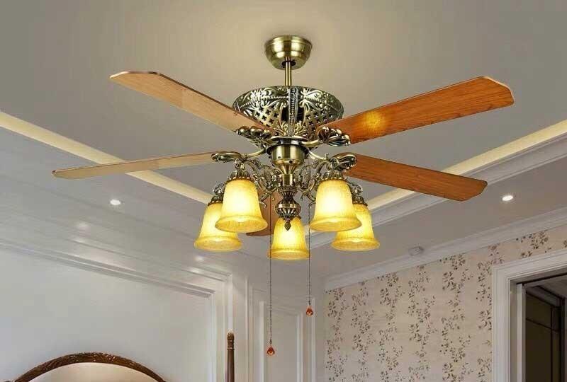 Quạt trần đèn hiện đại - Đèn quạt trần cánh gỗ pha lê