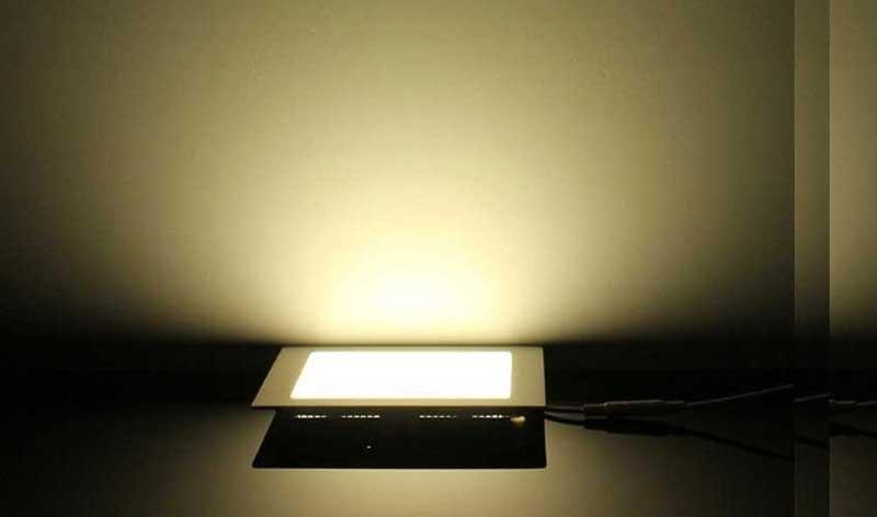 đèn âm trần 3 chế độ