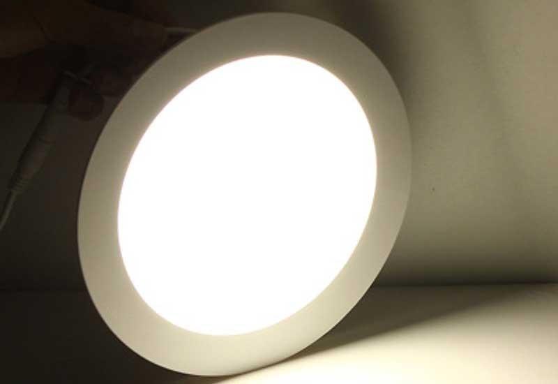 bóng đèn led âm trần 3 chế độ