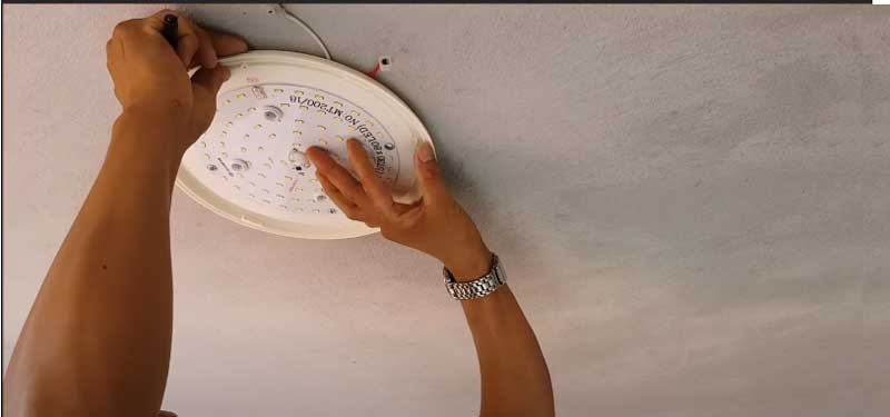 Tìm hiểu các cách lắp đèn led ốp trần nổi