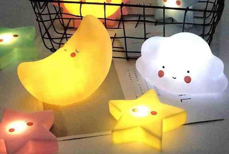 Đèn ngủ dùng cho trẻ sơ sinh -đèn ngủ màu gì tốt cho trẻ sơ sinh