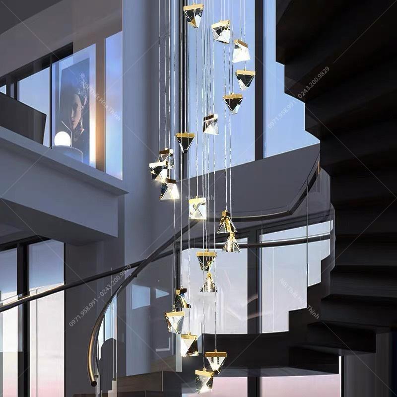 các mẫu đèn trang trí cầu thang pha lê