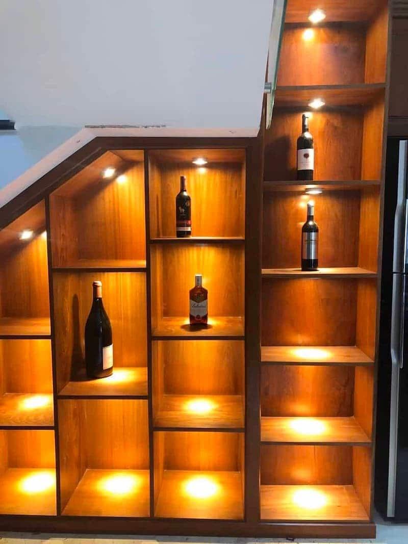 Lắp đèn led cho tủ trưng bày