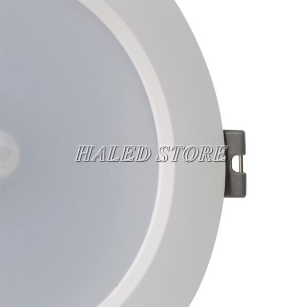 Thân đèn được làm hợp kim hộp tản nhiệt tốt