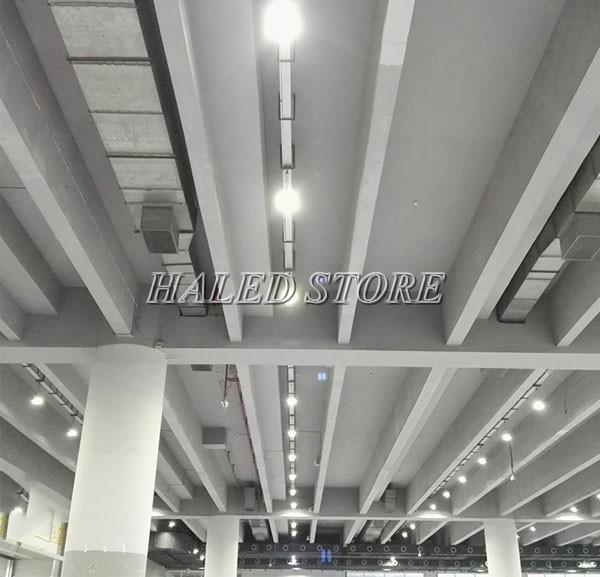 Ứng dụng của đèn LED nhà xưởng HLDA BUFO2-250