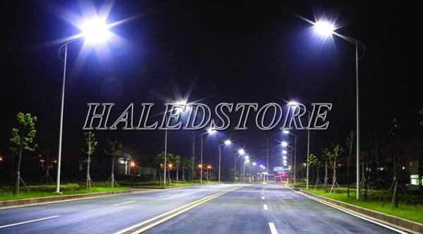 Ứng dụng đèn đường LED năng lượng mặt trời RDDA D CSD04L-80