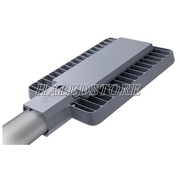 Mặt sau đèn đường LED PLDA BRP391 60/NW-50 chứa nguồn LED và hệ thống tản nhiệt