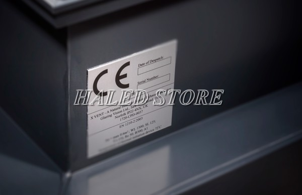 Logo tiêu chuẩn CE trên thân đèn LED