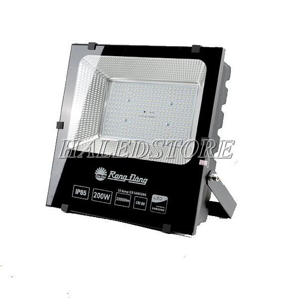 Kiểu dáng đèn pha LED RDDA D CP06L-200