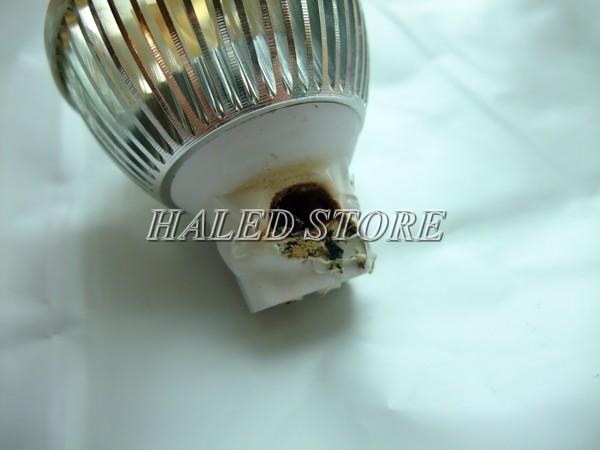 Tác hại của bóng đèn LED kém chất lượng gây nổ