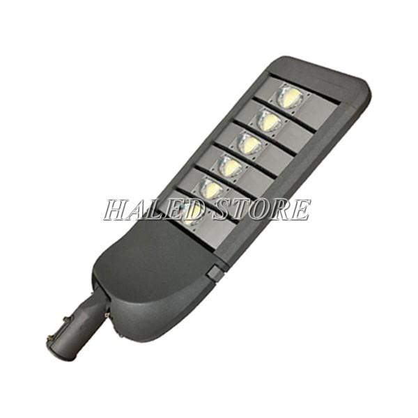 Chip LED được bảo vệ bởi thấu kính lồi