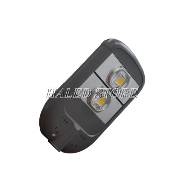 Chip LED được bảo vệ bởi chóa nhôm và thấu kính dày