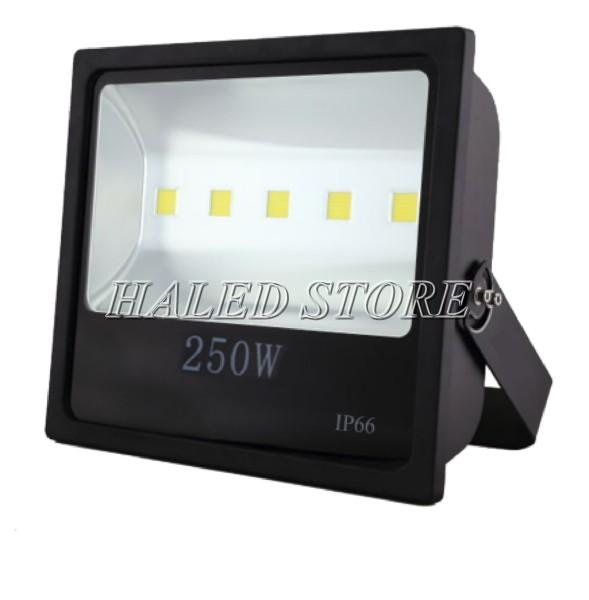 Kiểu dáng đèn pha LED HLDAFL4-250