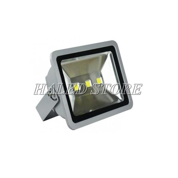 Đèn pha LED HLDAFL1-150 sử dụng 3 chip LED COB cao cấp