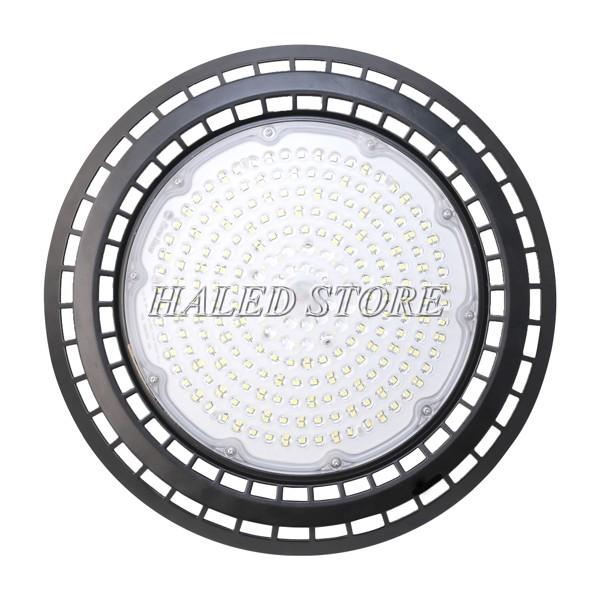 Hệ thống chip LED SMD được bố trí đều trên bề mặt