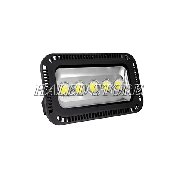 Đèn pha LED HLDAFL11-250 sử dụng chip LED COB chất lượng cao