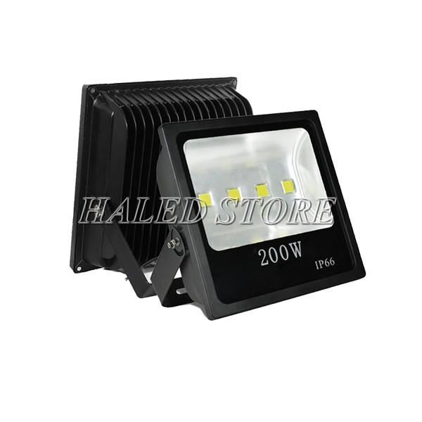 Kiểu dáng đèn pha LED HLDAFL4-200