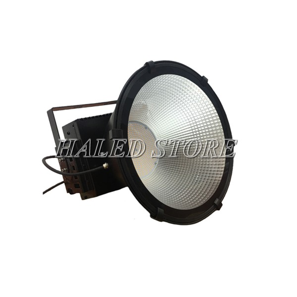 Kiểu dáng của đèn pha LED HLDAFL3-150