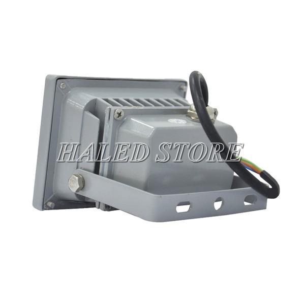 Tay cầm của đèn pha LED HLDAFL5-10 thiết kế linh hoạt