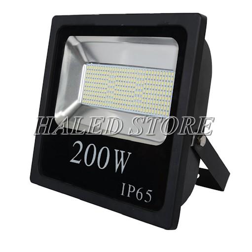 Ứng dụng của chip LED 200W sản suất đèn pha LED