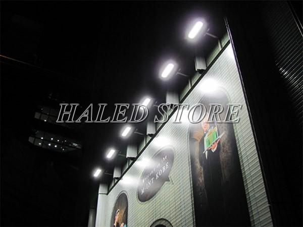 Ứng dụng chiếu biển quảng cáo của đèn pha LED HLDAFL12-50