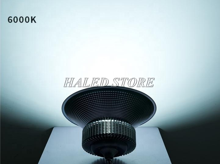 Ánh sáng trắng của đèn LED nhà xưởng HLDAB7-100