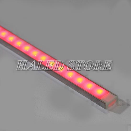 Bước test thử khả năng hoạt động ổn định của đèn