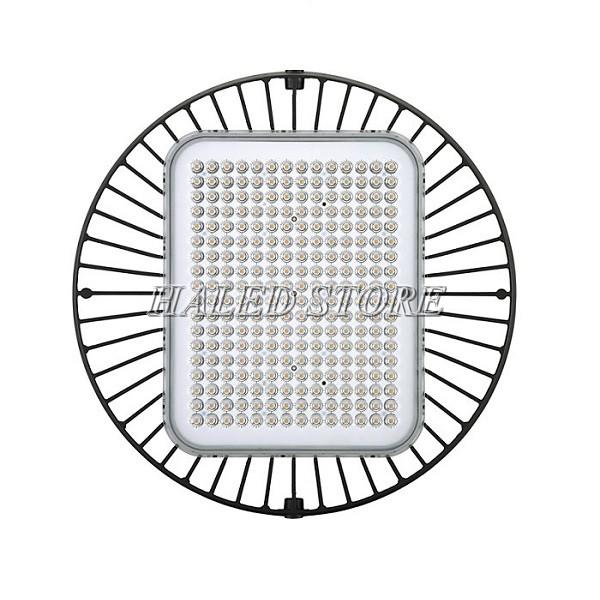 Mặt trước là hệ thống chip LED cao cấp