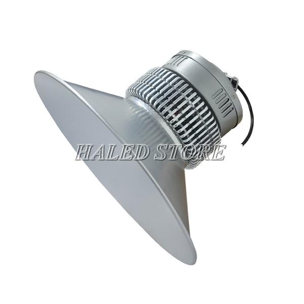 Đèn LED nhà xưởng HLDAB4-150 khi lắp chóa nông 120 độ