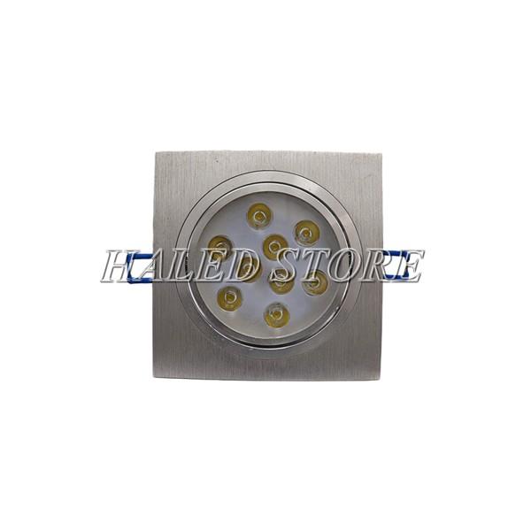 Đèn LED âm trần sử dụng chip LED chất lượng cao