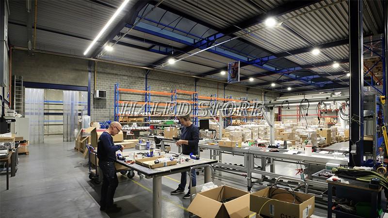 Ứng dụng của đèn LED nhà xưởng HLDA BUFO4-100