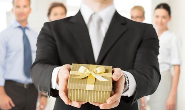 Gợi ý 3 món quà tặng cho khách hàng doanh nghiệp ý nghĩa