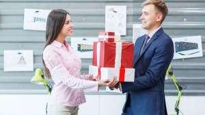 Chọn quà tặng cho khách hàng nước ngoài: Lưu ý với phong tục từng nước